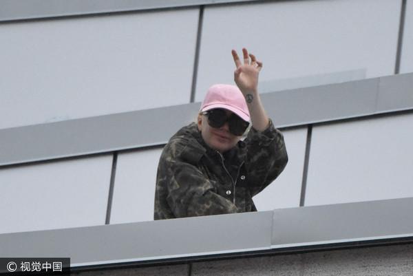 Lady Gaga取消演出心疼歌迷苦等 请吃披萨获赞赏