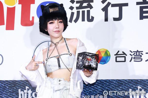 吴莫愁怒斥背后搞小动作的人 网友纷纷猜测是她