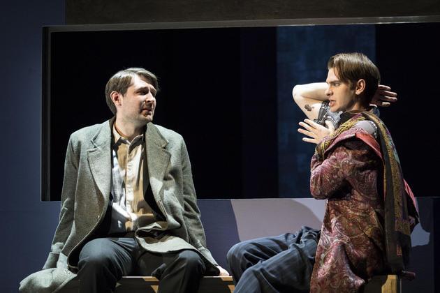加菲主演同志舞台剧《天使在美国》将登陆百老汇