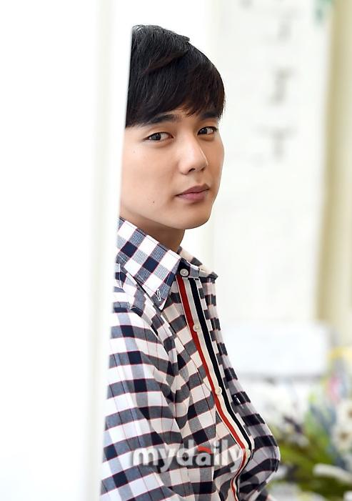 俞承豪将出演MBC新剧《不是机器人》 11月开播