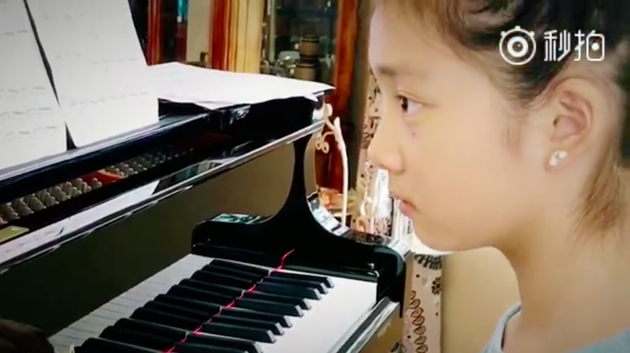 多多弹钢琴
