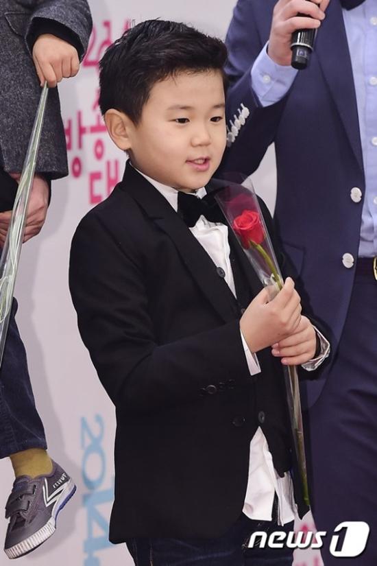 韩童星尹厚将出演JTBC新综艺 与美国小朋友交流