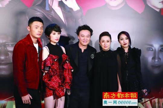 李荣浩、魏如萱、黄韵玲、杨千嬅为陈奕迅战队帮唱