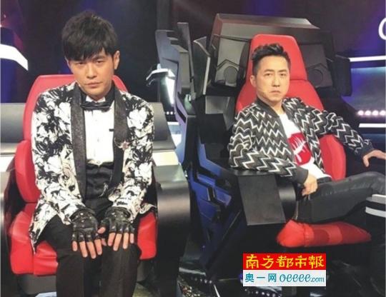 """《中国新歌声》周杰伦""""骗来""""哈林为他撑腰"""