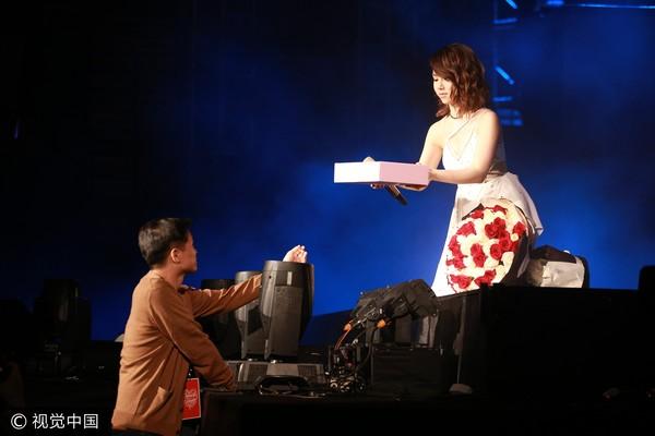 邓紫棋被求婚