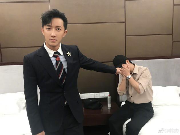 """韩庚指认""""幕后黑手""""妆发师"""
