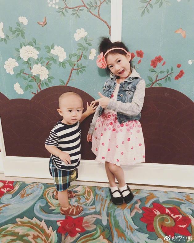 奥莉和弟弟