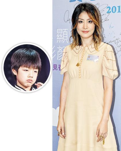 陈慧琳称赞虾饺仔(圆图)懂得自动自觉做功课,不用她操心。