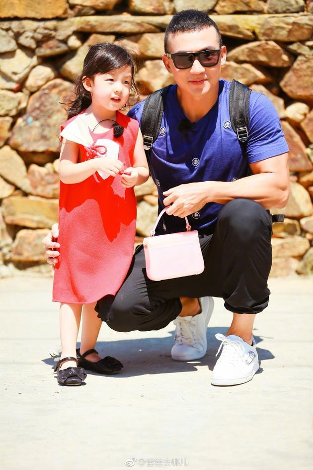 刘畊宏与女儿小泡芙