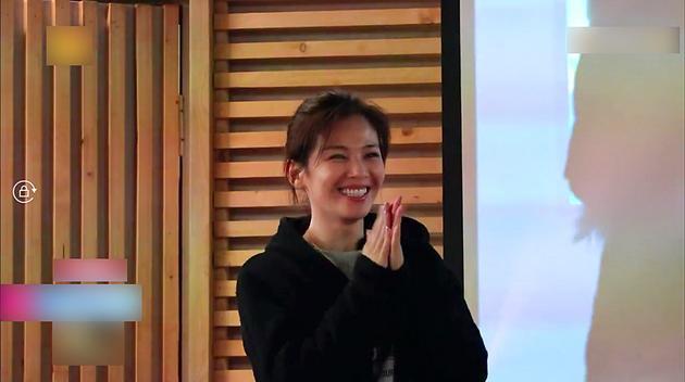 刘涛助粉丝求婚成功 齐唱《最好的时光》