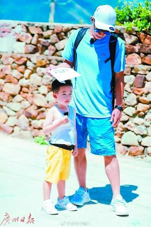爸爸变老带来不少育儿难题 用阅历和耐心抚平代沟