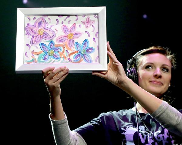 布兰妮画作拍出1万美金