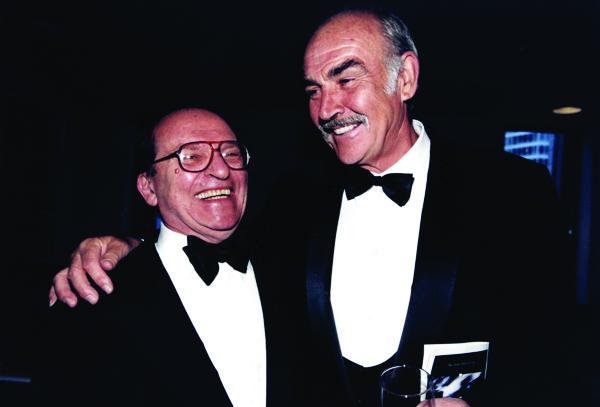 吕美特(左)和肖恩・康纳利的交情持续了很多年