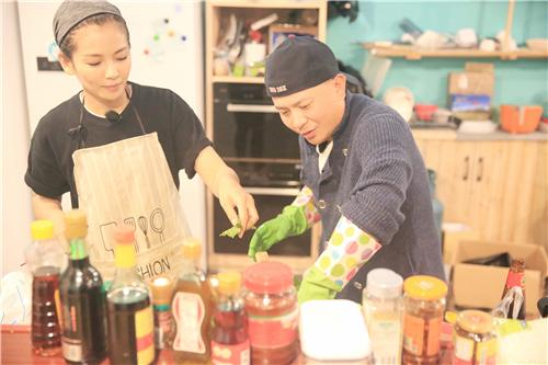 《客栈》刘涛夫妇成环保标兵 客人抱怨早餐太丰富