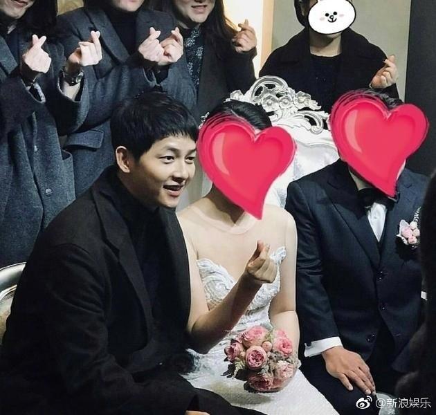 宋仲基出席朋友婚礼