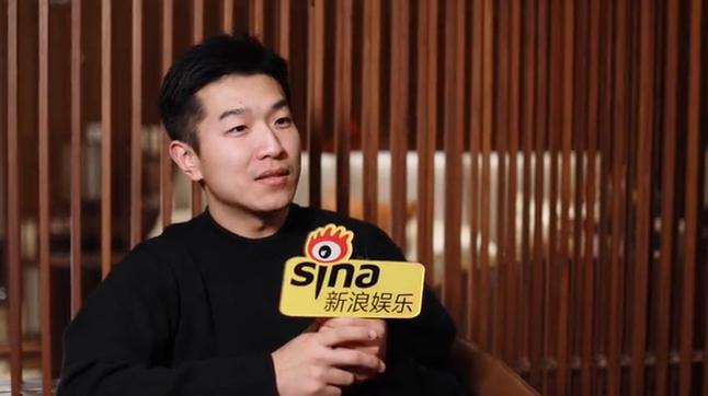 申奥称郭京飞很体贴 范伟表演没任何毛病可挑