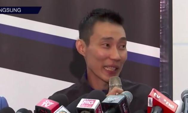李宗伟接受采访时称退役前没和林丹说过这件事。