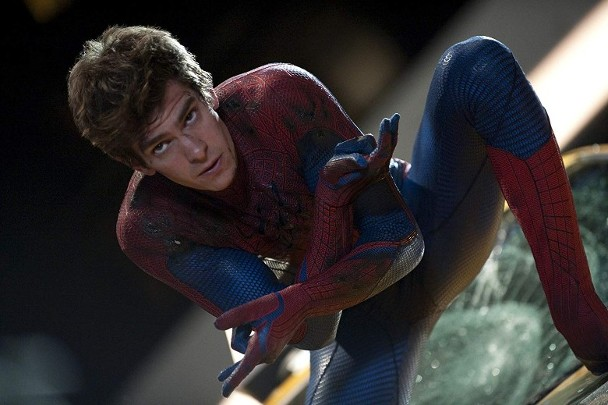 安德鲁扮演的蜘蛛侠。