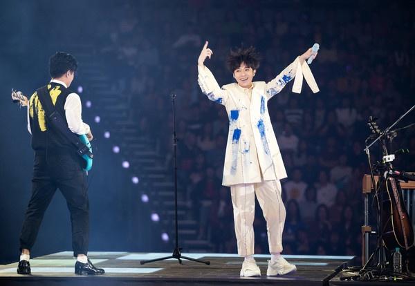 吴青峰昨晚开唱