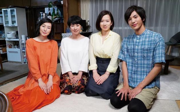 日劇《即使如此也要愛》演員,左起木村多江、西田尚美、和久井映見、至尊淳