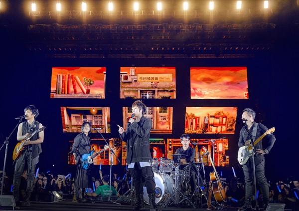 性生活影片五月天_传五月天八月将六度鸟巢开场 相信音乐回应