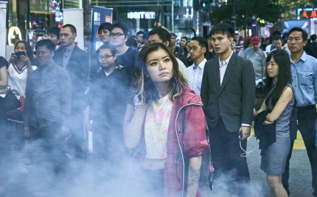梁佩诗(中)演抗议官商勾结的热血少女。