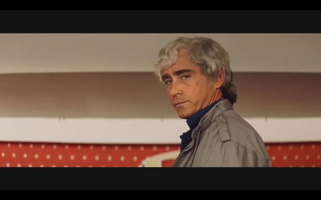 《失控》发布预告 李·佩斯留白发饰传奇汽车大亨