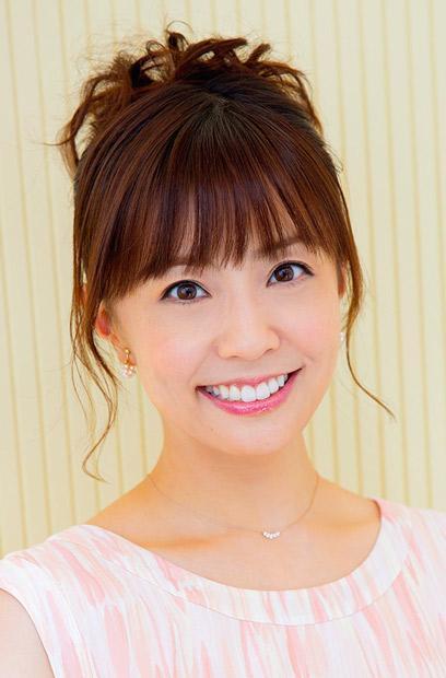 小林麻耶社交网站发布结婚戒照片 得到粉丝祝福
