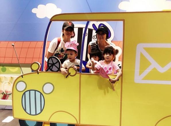 徐若瑄、贾静雯带小孩们一同出游