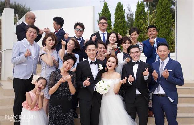 愛紗周洺甫結婚照片