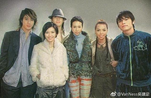 从左到右依次为:王力宏、孙燕姿、吴建豪、莫文蔚、张惠妹、周杰伦