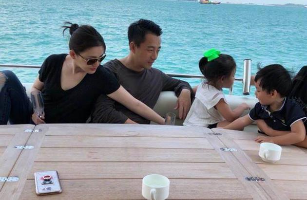 大S和汪小菲婚后育有一对宝贝儿女。