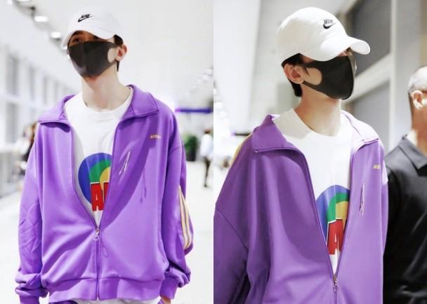 蔡徐坤紫色运动服抢镜