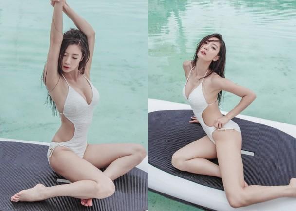 克拉拉早前拍攝的性感泳裝照。