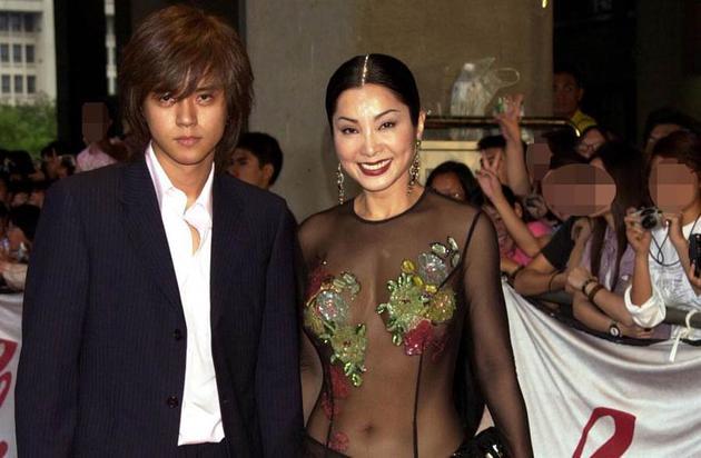罗志祥17年前下跪认干妈 陈美凤发文疑为开导小猪