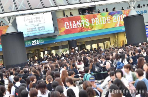 喜多川告别仪式参加人数众多 普通部停止入场接待