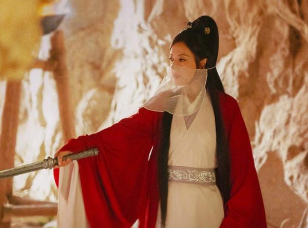 趙薇在電影中飾演一名演員