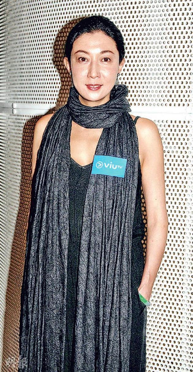 吴绮莉配相符吴卓林回香港,她抱着正念,期待正向发展。