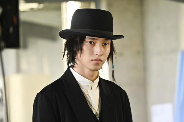 山崎贤人合作小田切让 客串《时效警察》最终话