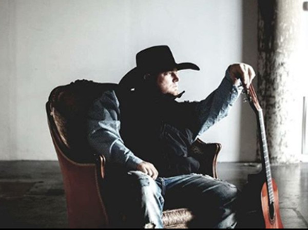 美国乡村歌手贾斯汀·卡特(Justin Carter)