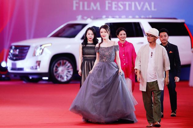 《拿摩一等》亮相上海电影节闭幕红毯