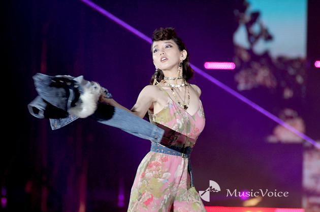 日本最大时尚音乐秀开幕 演员吉冈里帆惊喜亮相
