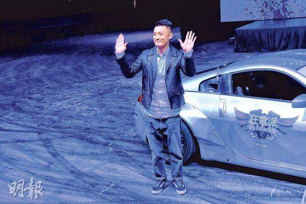 余文乐笑言男人天生喜欢速度与车。