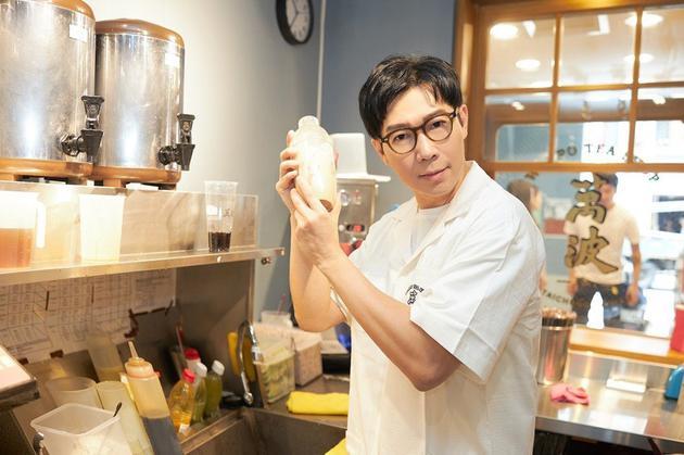 品冠自己製作珍珠奶茶