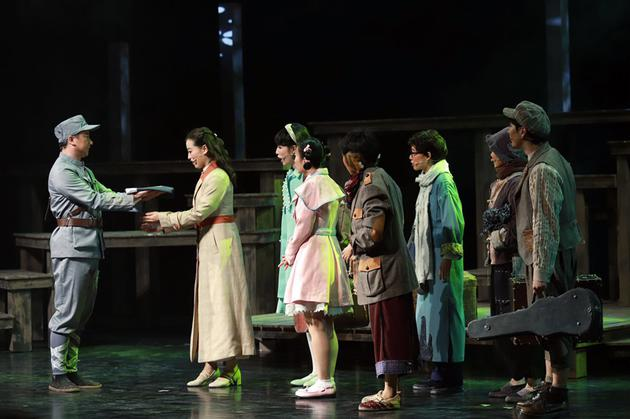 上海国际儿童戏剧展演开幕剧《孩子剧团》献演