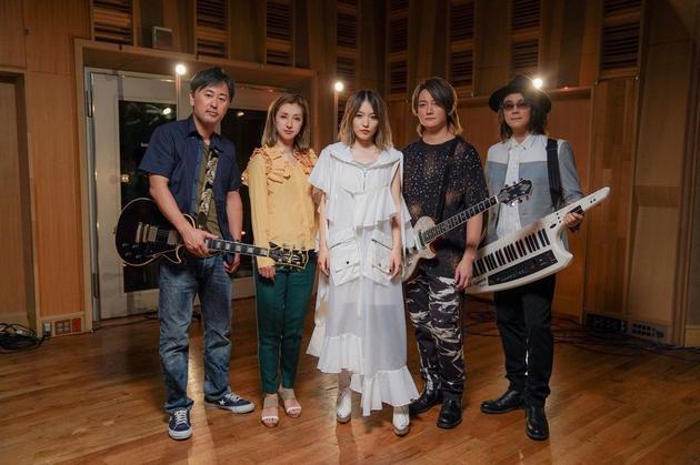 圆了青春梦!F.I.R新歌合作日本大无限乐团