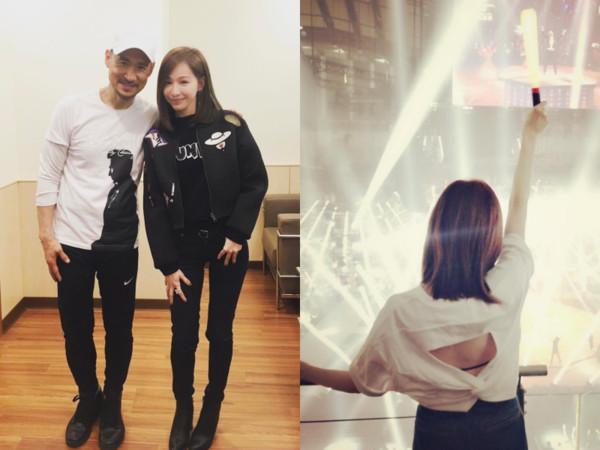 王心凌带着妈妈追张学友演唱会 穿漏背装后台合影超兴奋