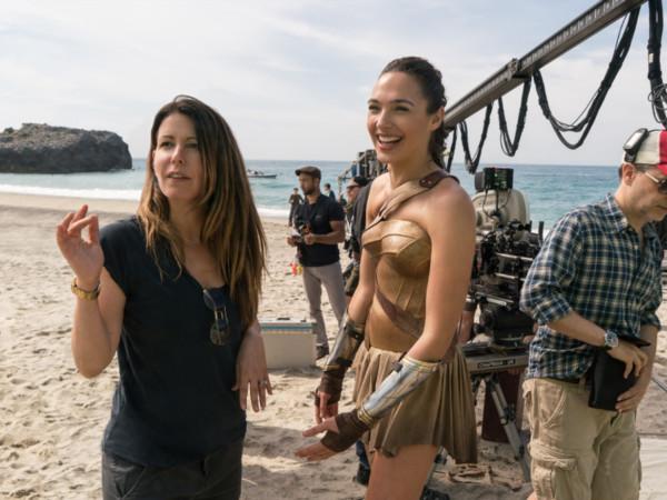派蒂回归《神奇女侠2》片酬大涨 比首集多了9倍