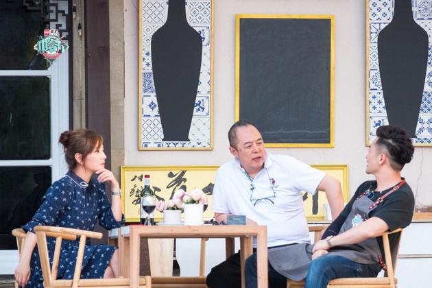 張鐵林趙薇蘇有朋重聚《中餐廳》