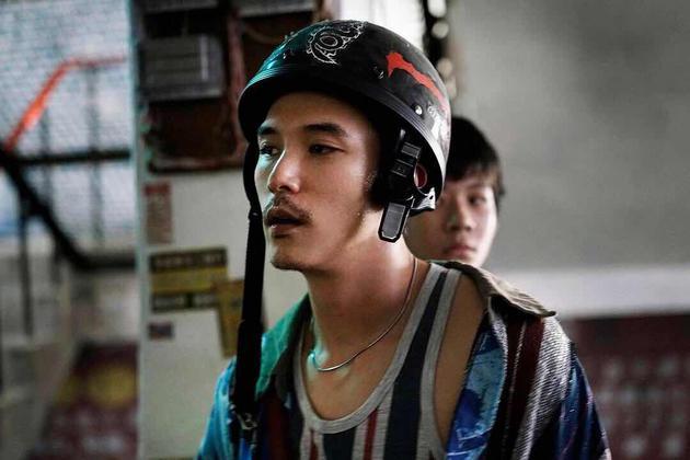 《谁先爱上他的》中邱泽饰演的阿杰